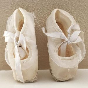 high quality reasonably priced online shop 2/$5 LP Vintage 1950s Satin Baby Slippers